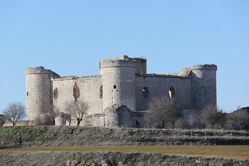 """Castillo de los Menzoza de Castilla """"Pioz"""""""