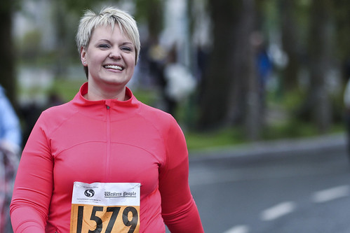 street ireland red portrait irish beauty smile sport lady walk candid mayo castlebar funrun minimarathon fullard frankfullard