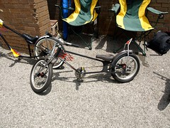 mountain bike(0.0), road bicycle(0.0), bmx bike(0.0), freestyle bmx(0.0), sports equipment(0.0), tricycle(0.0), wheel(1.0), vehicle(1.0), cycle sport(1.0), land vehicle(1.0), bicycle(1.0), recumbent bicycle(1.0),