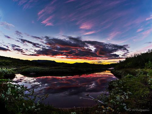 sky reflection water iceland vatn himinn summernight speglun biskupstungur sumarnótt hphson reykjaskókur