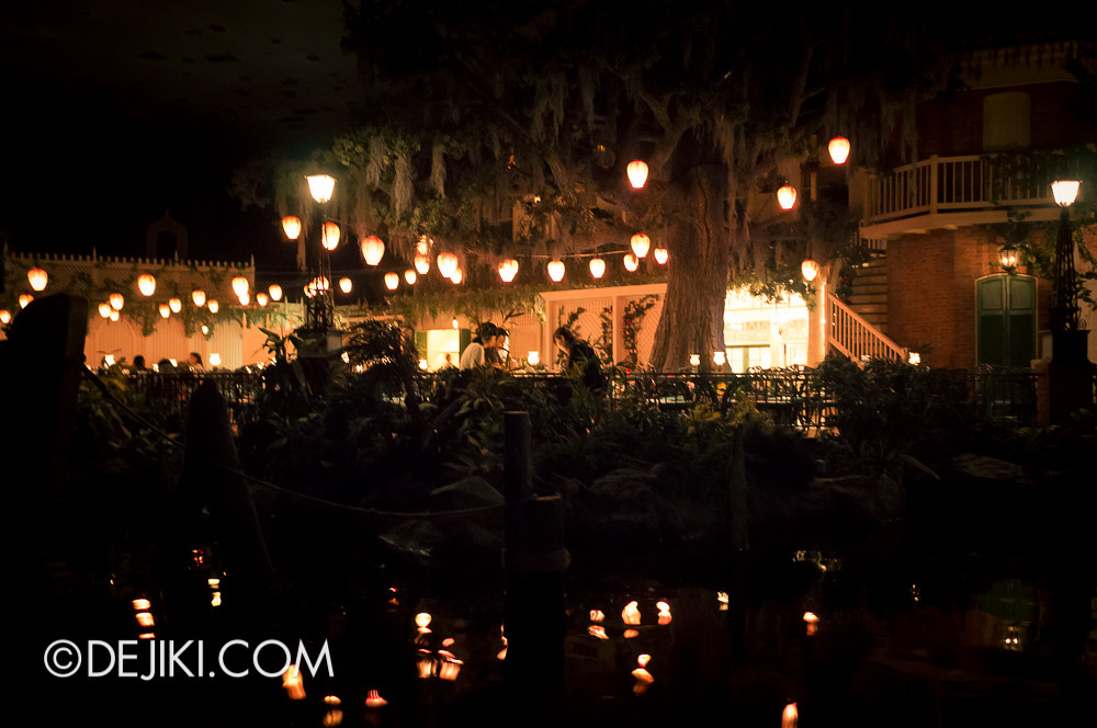Tokyo Disneyland - Bleu Bayou Restaurant / Pirates of the Caribbean