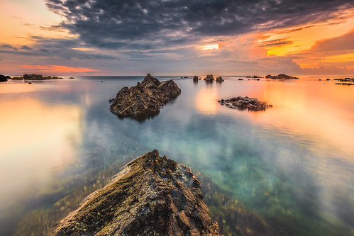 seascape beach beautiful stone canon rocks colorful bright calm serenity malaysia slowshutter terengganu secluded singhray proglass 5dmarkii 1635f28mk2