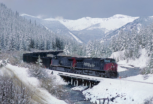 railroad trestle bridge snow mountains up train colorado sp co unionpacific ge continentaldivide snowcoveredtrees highcountry southernpacific southbouldercreek tolland coaltrain springtimeintherockies ac4400cw unittrain up'smoffattunnelsubdivision