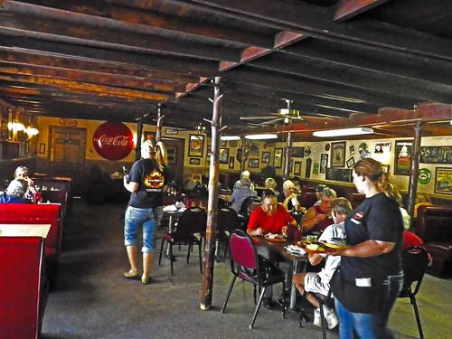 Top Hat #Barbecue, Blount Springs, AL dining room - h4962cc