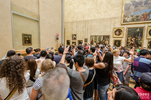 Louvre - Mona Lisa Crowd