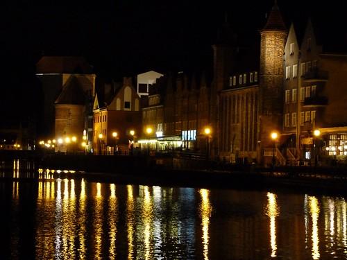 Foto nocturna de Gdansk