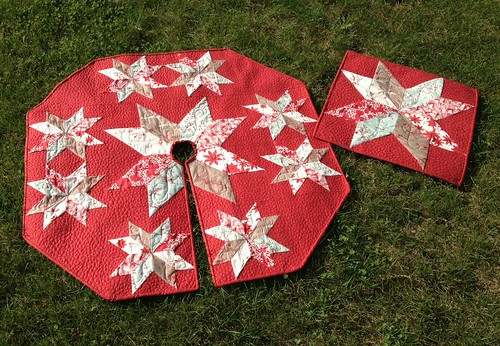 Star of Wonder Tree Skirt and Table Topper
