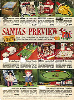 "True Value Hardware Stores :: ""SANTA'S PREVIEW; THE TOY CENTER"" pg.1 of 6 (( 1975 ))"