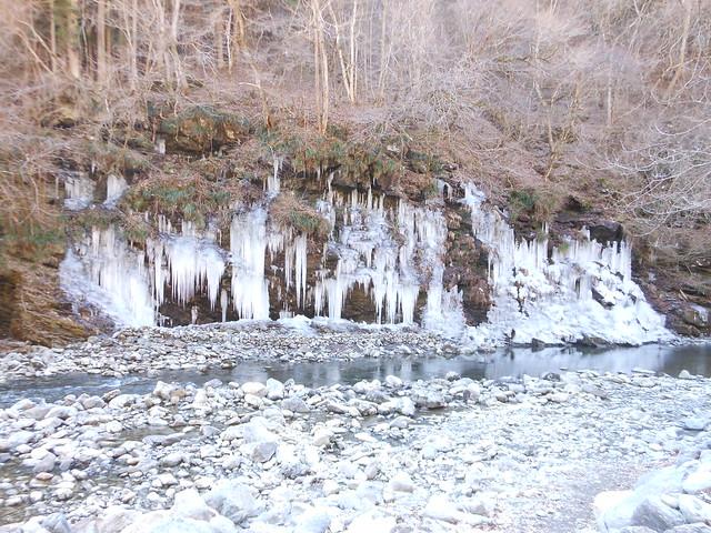 天然氷柱(遠景)
