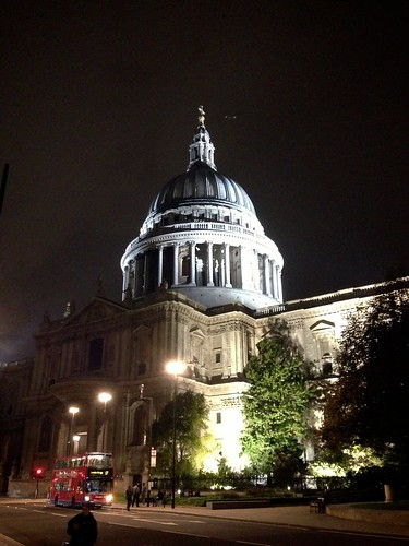 <p>London St Pauls Cathedral</p>