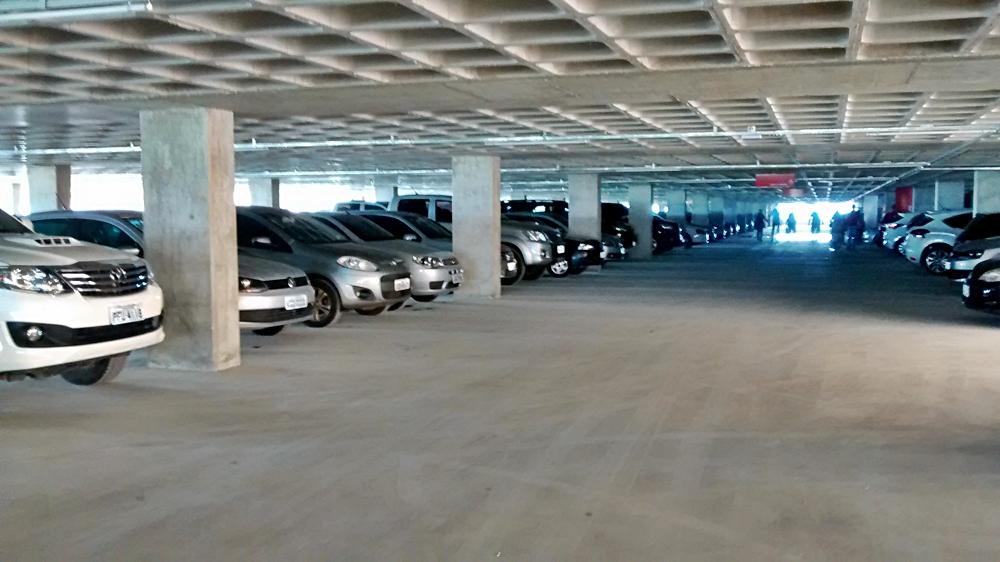 Resultado de imagem para estacionamento sub solo shopping de caruaru
