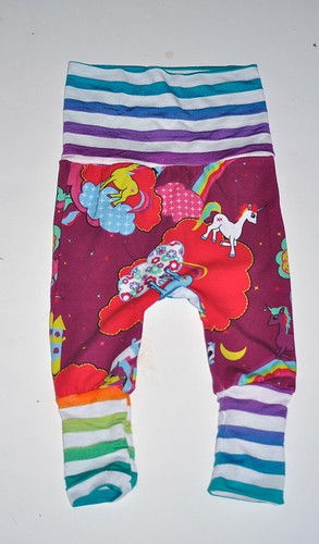 Bumstoppers BumSpot Pants 0-6 months Newborn Kimono  Rainbow Unicorns [template]