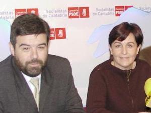 El PSOE-PSC lanza su ofensiva de renovación en las tertulias radiofónicas para parar la subida de @ahorapodemos en Cantabria
