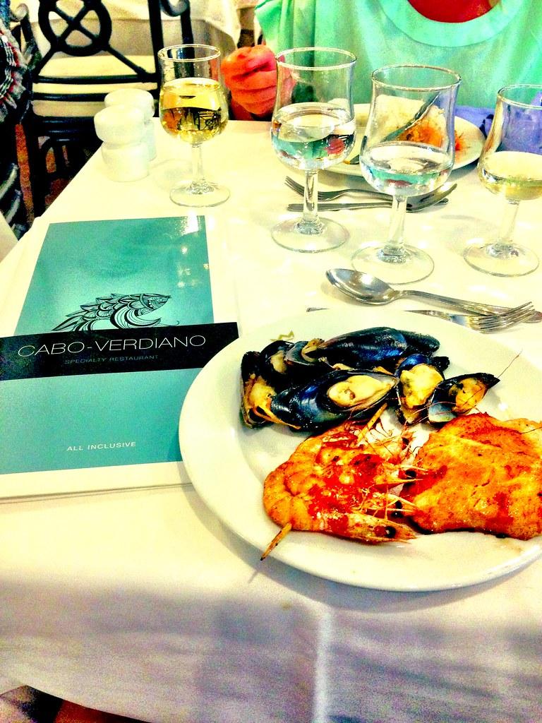 Cape verde nov 2013 go by st lsvik for Local fish restaurants