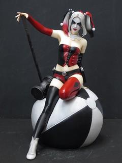Yamato USA DC Comics【小丑女】Harley Quinn 1/6 比例 全身雕像