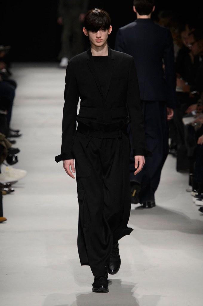 Eugen Ivanov3055_FW15 Paris Juun.J(fashionising.com)