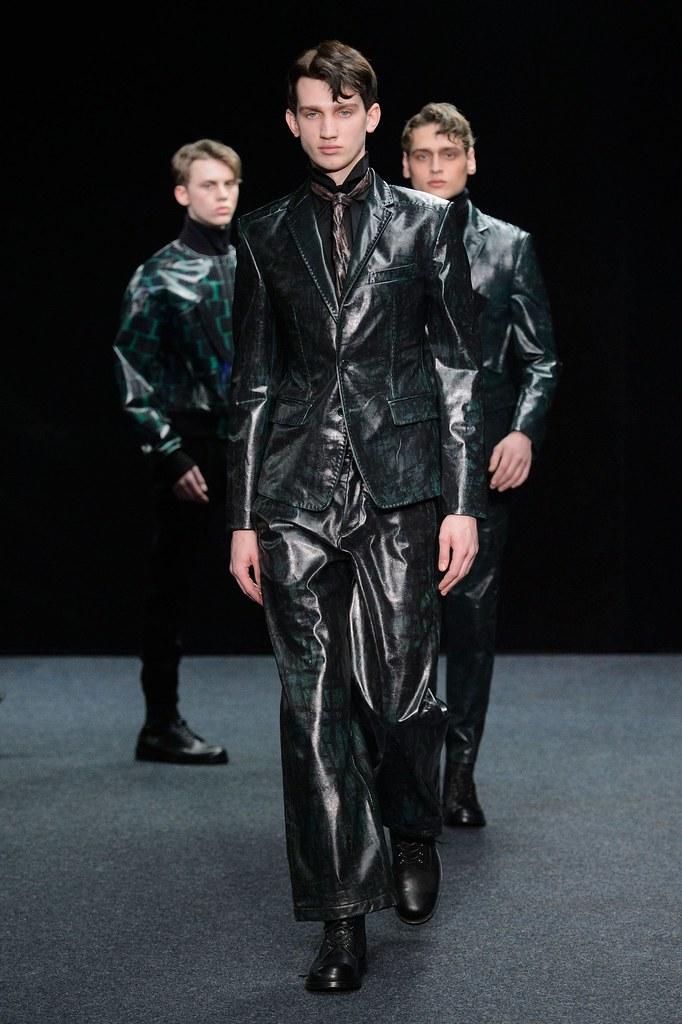 Eugen Ivanov3059_FW15 Paris Songzio(fashionising.com)
