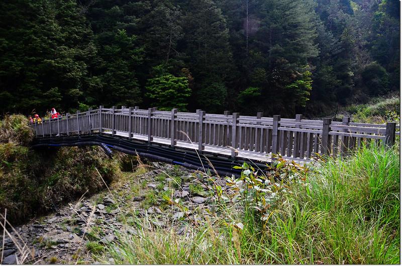 跨越馬達拉溪木橋