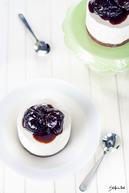 cheesecake con fichi carammelati senza cottura
