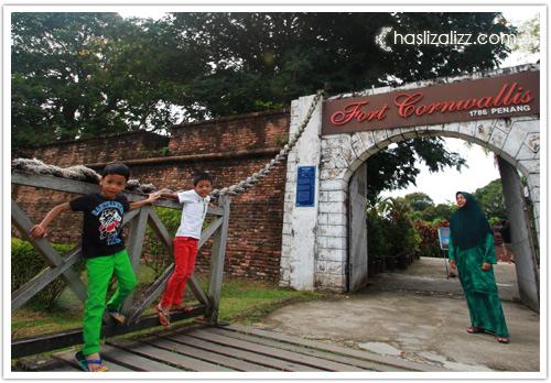 9142601915 2dc1d91b09 o Melawat Fort Cornwallis di Padang Kota Pulau Pinang