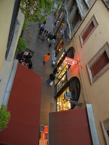 DSCN3493 _ from window of Albergo delle Drapperie, Bologna, 16 October