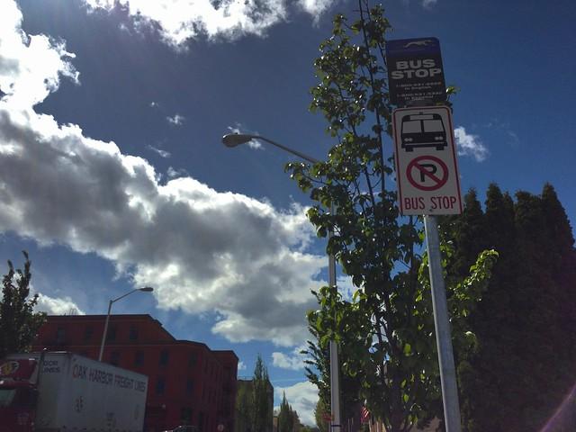 フッドリバーのグレイハウンドバス停