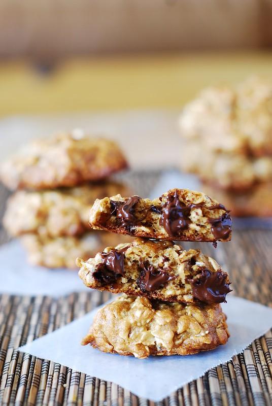 Banana oatmeal cookies with chocolate chips