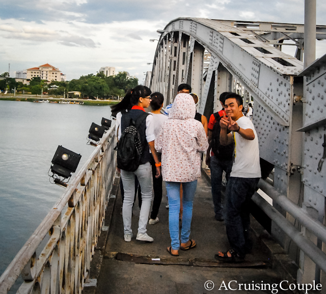 Couchsurfing Friends Vietnam Bridge