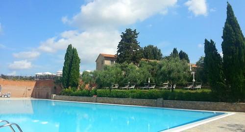 piscina castelfalfi