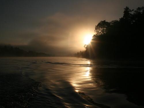 Amanecer en el Río Kinabatangan