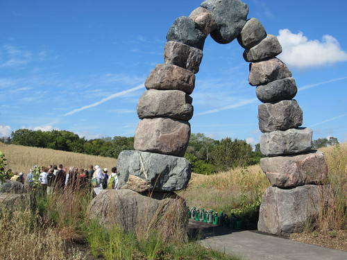 The impressive entryway arch, by designer Mario Constantini, welcomes visitors to the Milwaukee Rotary Centennial Arboretum. (Courtesy Milwaukee Urban Connections/ Jean Claassen)