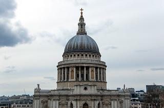 Vue sur la Cathédrale Saint Paul depuis la terrasse du One New Change