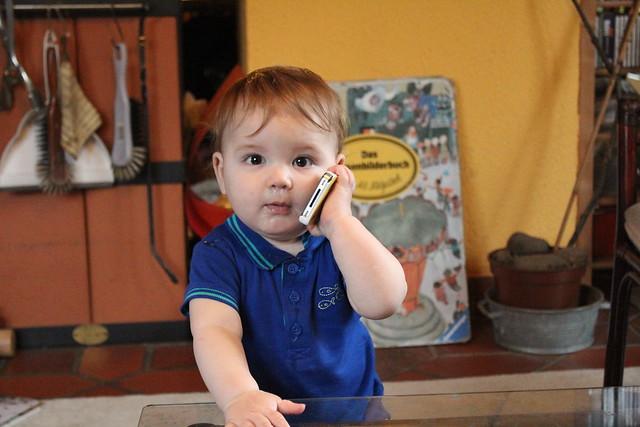 hello? Hello! Hellloooo!