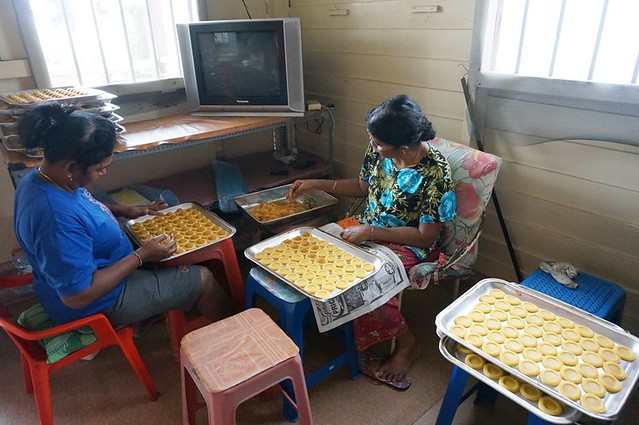 bee bee pineapple tarts - best in melaka -002