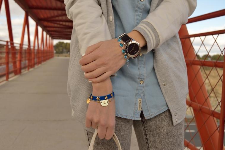 lara-vazquez-madlula-details-marc-jacobs-watch-lowlitaandyou-bracelets-white-details