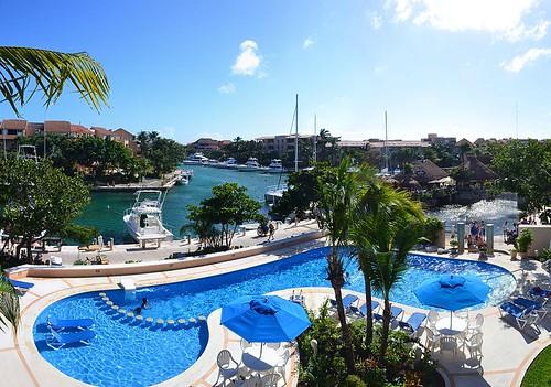 The Pool 2. Panorama. Nikon D3100.DSC_0340-0344