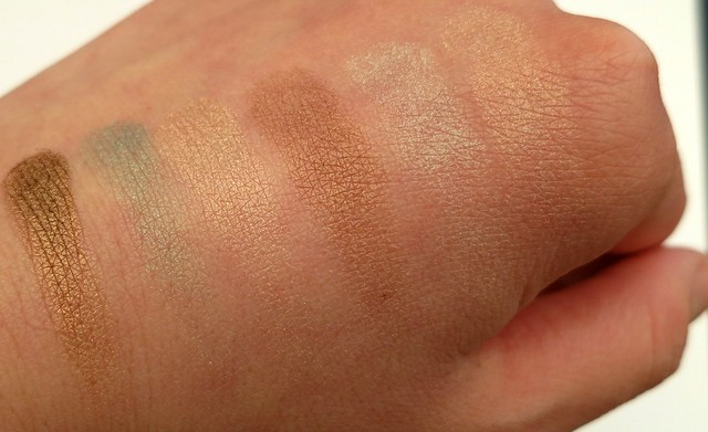 Pixi-Beauty-Mesmerizing-Mineral-Palette-Emerald-Gold-Swatches