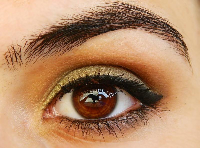 Juliana leite maquiagem para gravar videos verde metalico esfumado marrom preto delineado gatinho cromado degradê