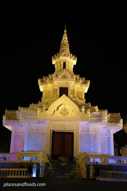 nakhon si thammarat shrine