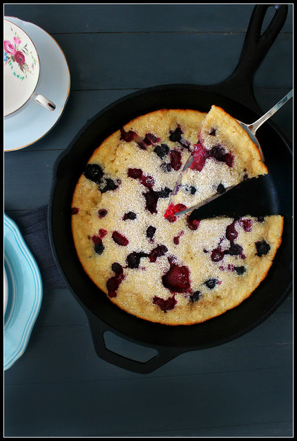 Baked Pancake with Berries
