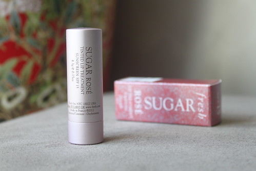 fresh sugar rose lip treatment spf 15 australian beauty review blog blogger ausbeautyreview aussie sephora lips balm gloss tint red pink pretty cosmetics makeup beautiful soft hydrated sheer berry natural (2)