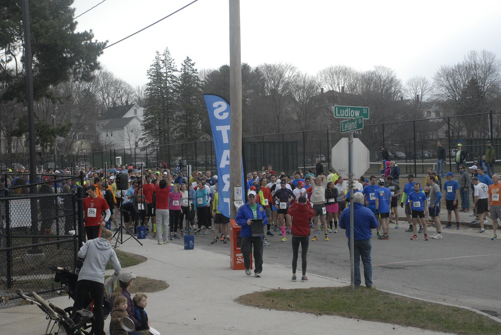 2014 Urban Runoff 5K Start