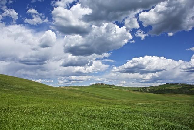Wind and Clouds. Spring in Mucigliani.