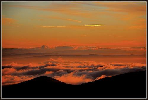 schnee winter sunset snow fog clouds canon germany deutschland schweiz switzerland evening abend sonnenuntergang nebel view zoom wolken sigma peak jura aussicht schwarzwald blackforest badenwürttemberg gipfel belchen fernsicht eos600d