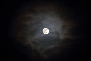The Moon through clouds over Abingdon