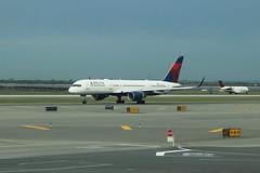 Delta Air Lines Boeing 757-2Q8(WL) N706TW