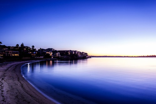 longexposure autumn trees houses sunset sunlight water silhouette canon reflections river landscape photo sand colours may vivid perth mansion luxury canonef1740mmf4lusm westernaustralia swanriver foreshore wideanglelens applecross ndfilter 550d t2i kissx4 photosbydlee photosbydlee13