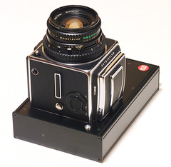 It is put on to HASSELBLAD body