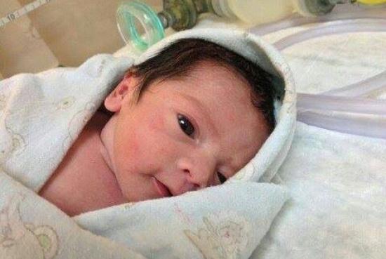 Gambar Baby Pertama Zahiril Adzim dan Shera Aiyob