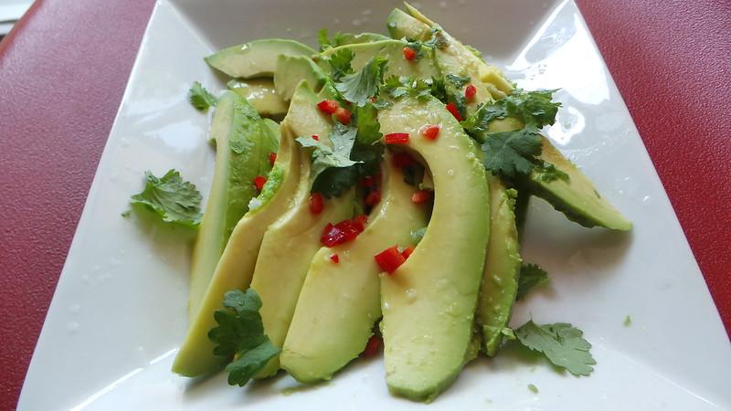 Lämmin avocado